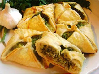 Samsa stuffed with cheese and spinach recipe