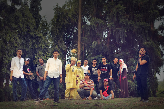 ridzuan & maria outdoor photoshoot 6