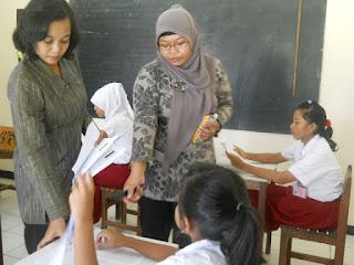 Buku Bahasa Inggris- Buku Bahan Ajar Siswa SDLB-B Penerbit Indesain Semesta