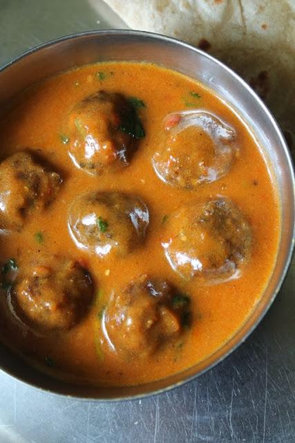 ... Gobi Kofta Curry / Caulilflower Koftas Cooked in a Creamy Tomato Sauce