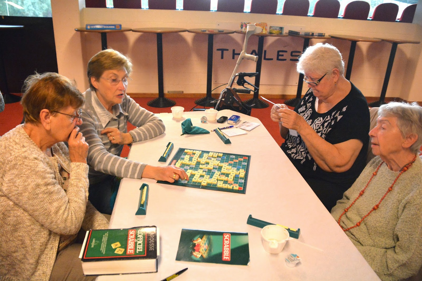 Guytubize le salon des seniors for Salon des seniors