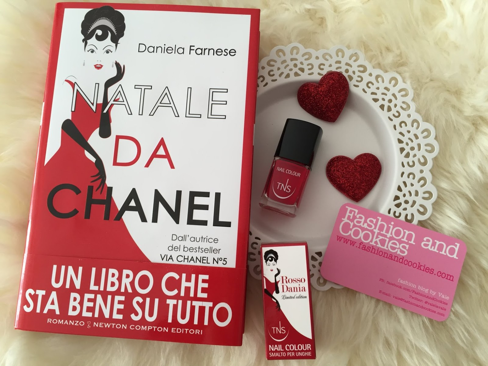 TNS Cosmetics Rosso Dania nail polish, Daniela Farnese Natale da Chanel on Fashion and Cookies fashion and beauty blog