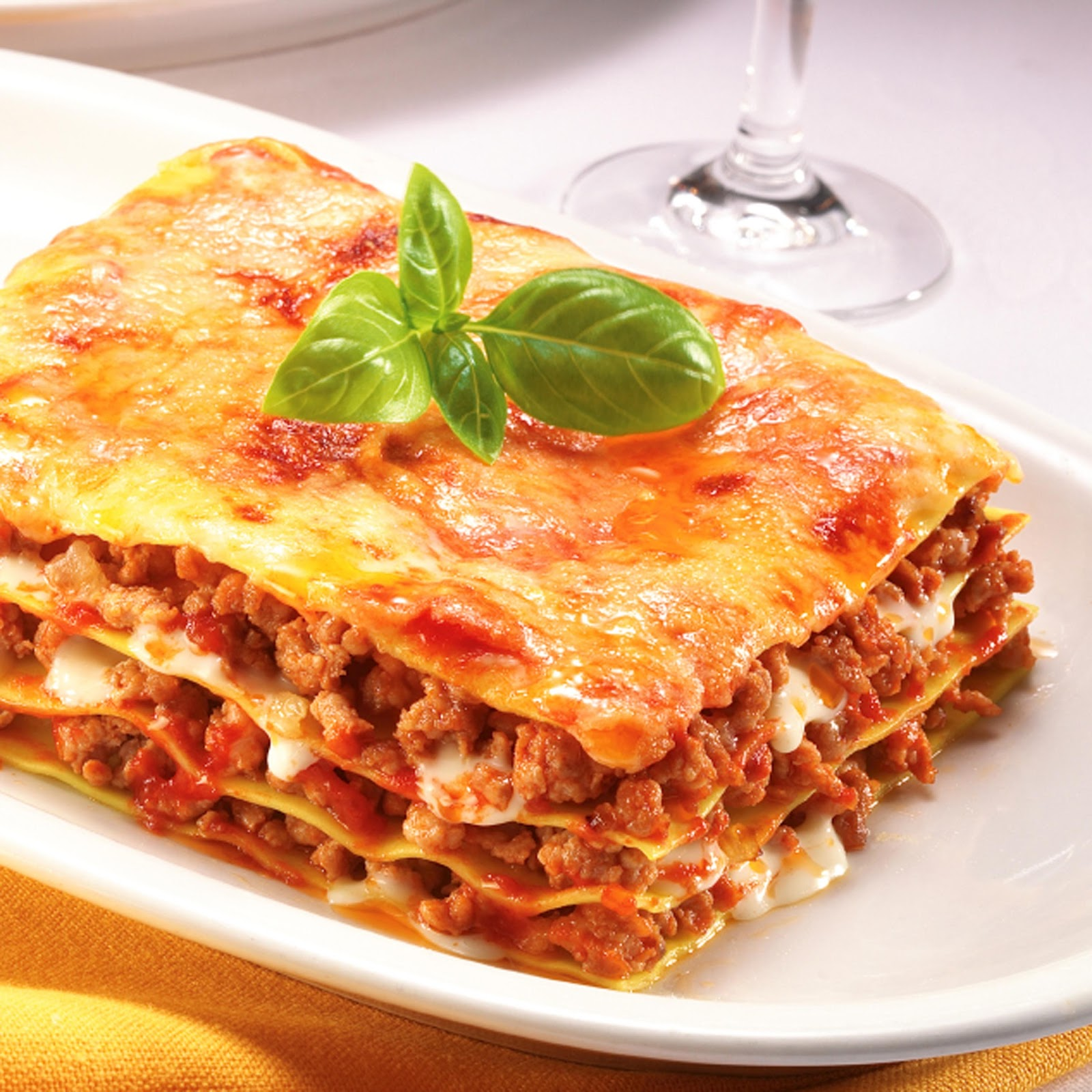 Mmm... Yummy: Lasagna with meat balls لازانيا باللحم ...