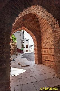 Puerta en la muralla