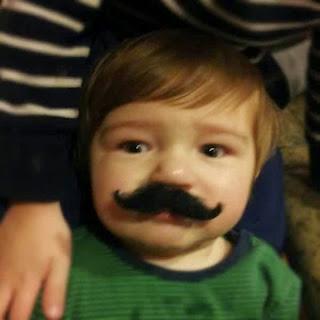 Gambar bayi lucu pakai kumis 24
