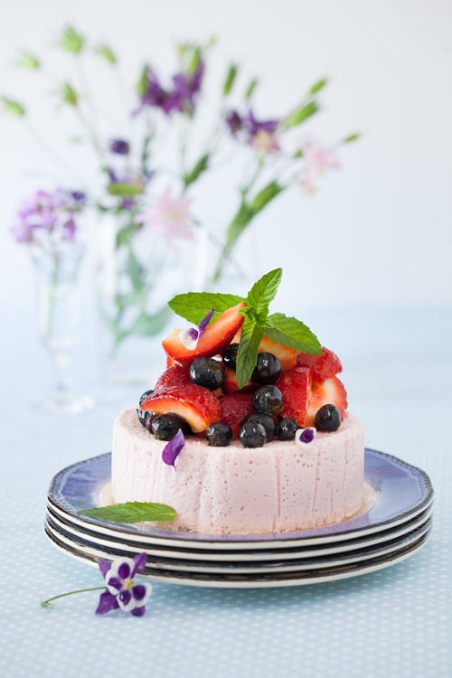 Yogurt strawberry cake the perfect dessert at cooking for Non fat cake recipes