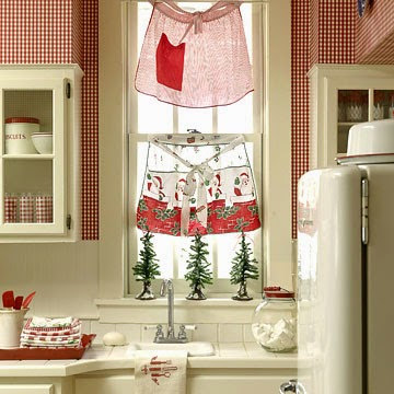 This All Gives Me Such Great But Unique Ideas On How To Use Everyday Kitchen Items In Christmas Decor