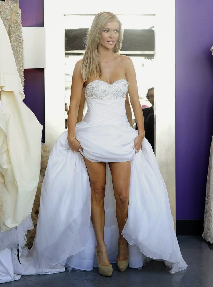 Oops joanna krupa upskirt panty showing in white wedding for Underwear under wedding dress
