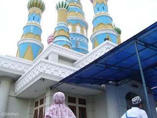Struktur unik dari Masjid2 di Indonesia...!!!