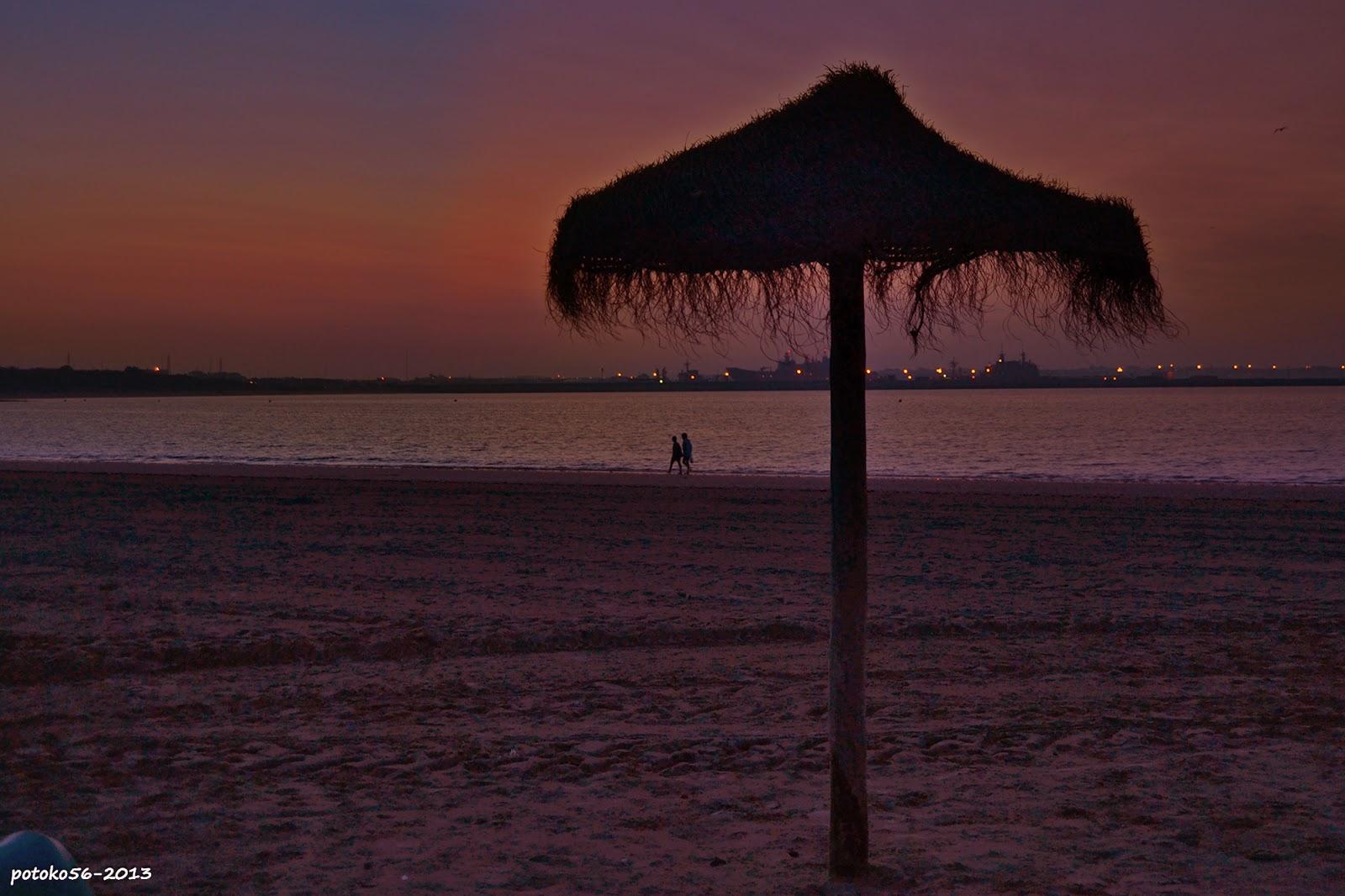 Una Sombrilla en la Playa del Chorrillo Rota