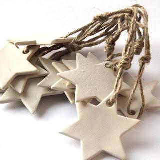 Arja Auvisen käsintehdyt keraamiset tähdet