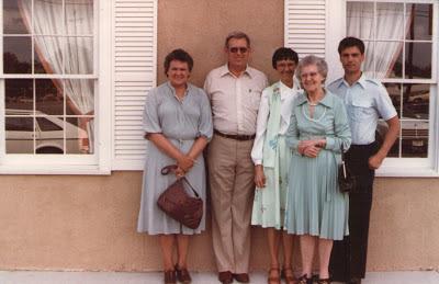 Betty and Leon Hodges, Edna Macon, Oda Lee Patton Shewcraft, Dave Macon