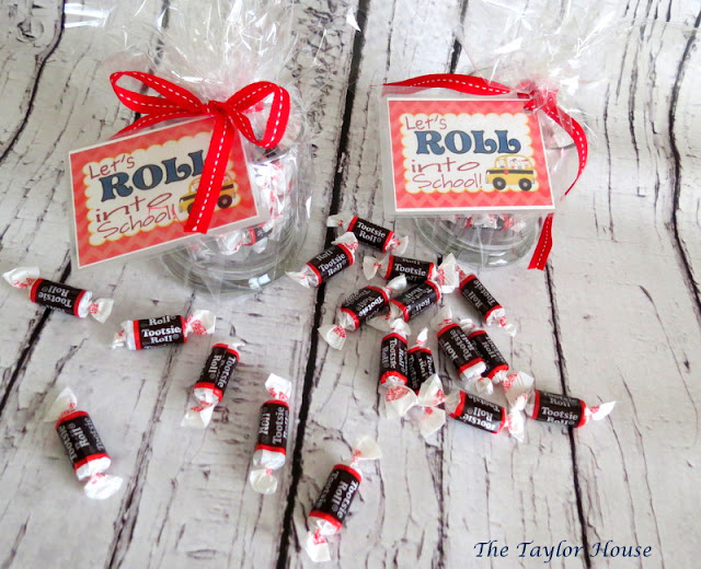 ... to School Teacher Gift, easy and cheap teacher gift, tootsie roll gift