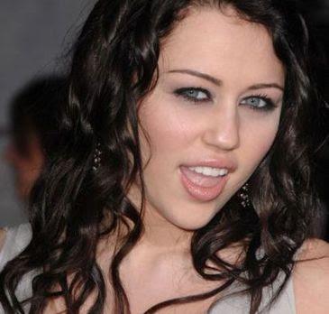 Miley Cyrus Eyes