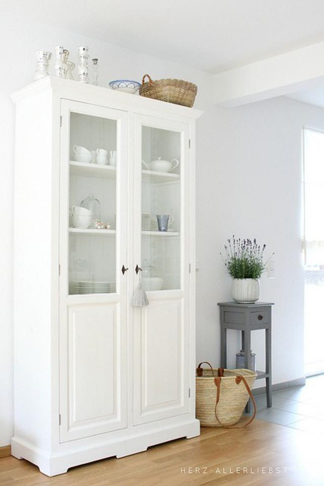 Tr s armarios vitrina de estilo vintage tr s studio - Ideas para decorar armarios ...