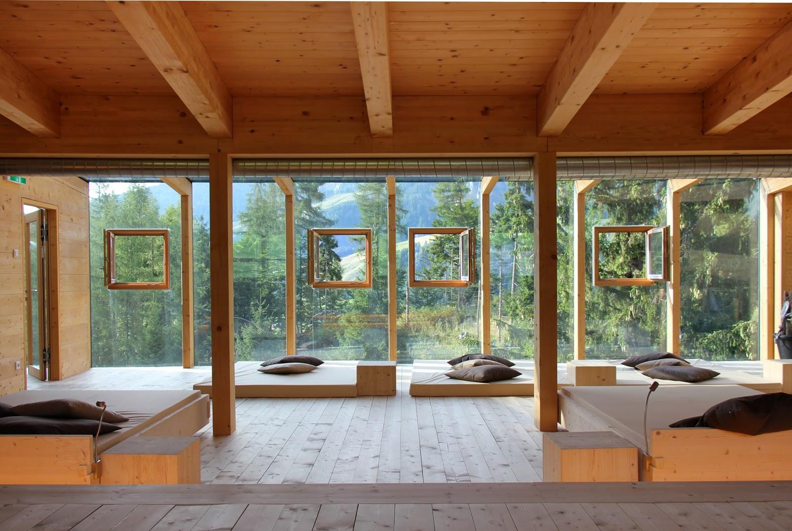 anneliwest berlin traveling austria 2 holzhotel forsthofalm. Black Bedroom Furniture Sets. Home Design Ideas
