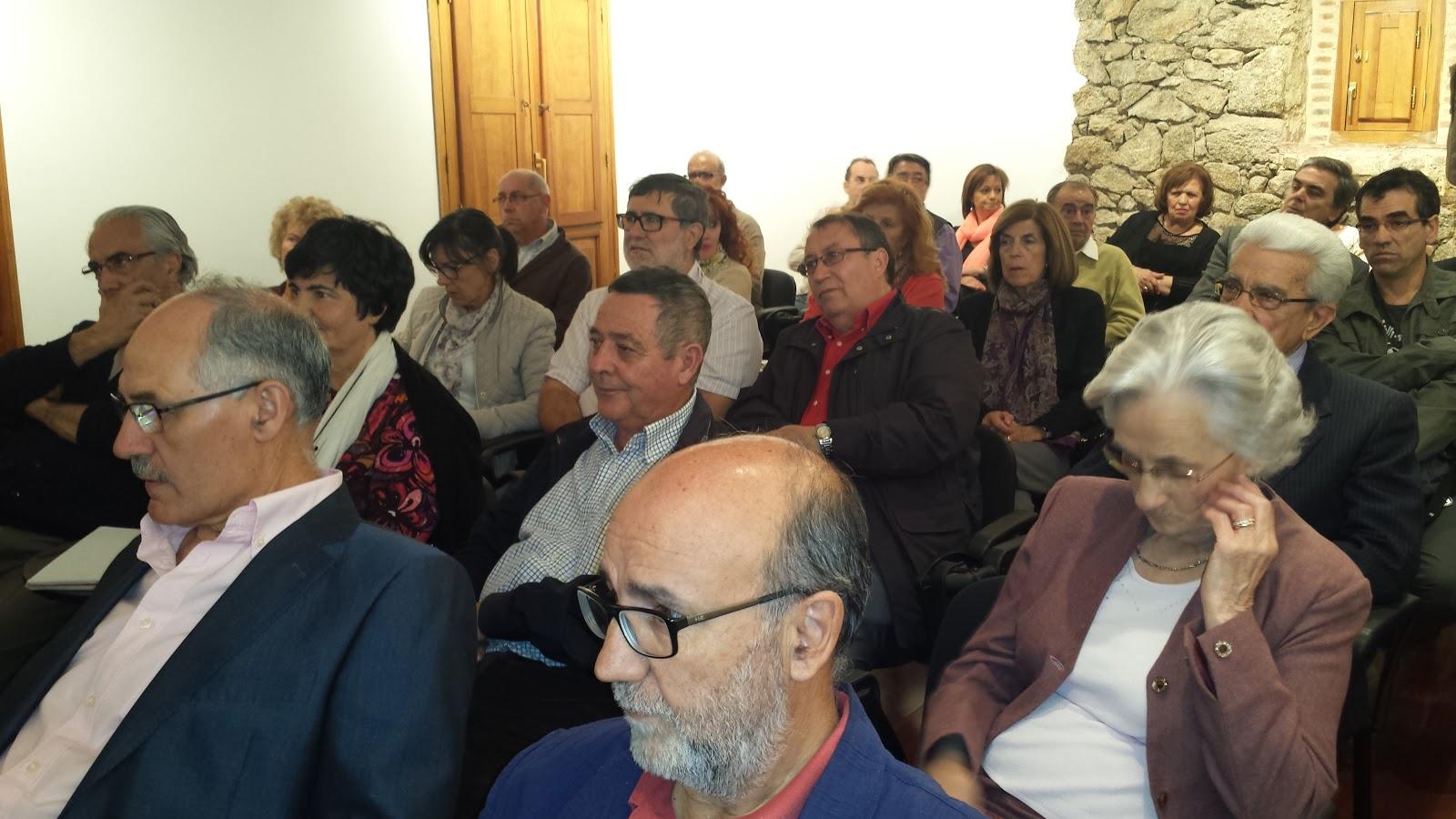 asistentes a la confererncia de Jose Antonio Sanchez Paso