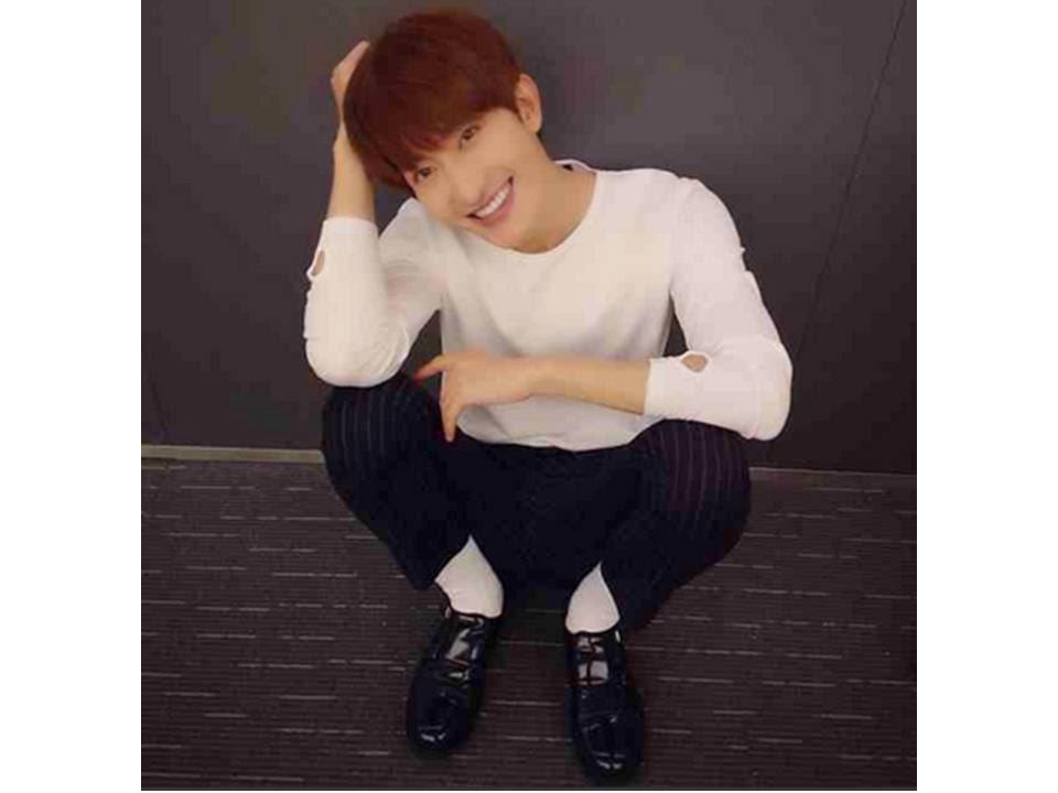 Super Junior-M's Zhoumi creates his IG!