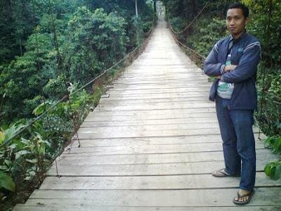 Jembatan Gantung Derek