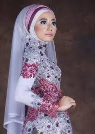 gaun pengantin muslimah modern warna ungu
