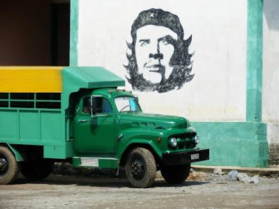 de-soroa-a-candelaria-por-la-carretera-central-y-un-camion-ruso-en-cuba