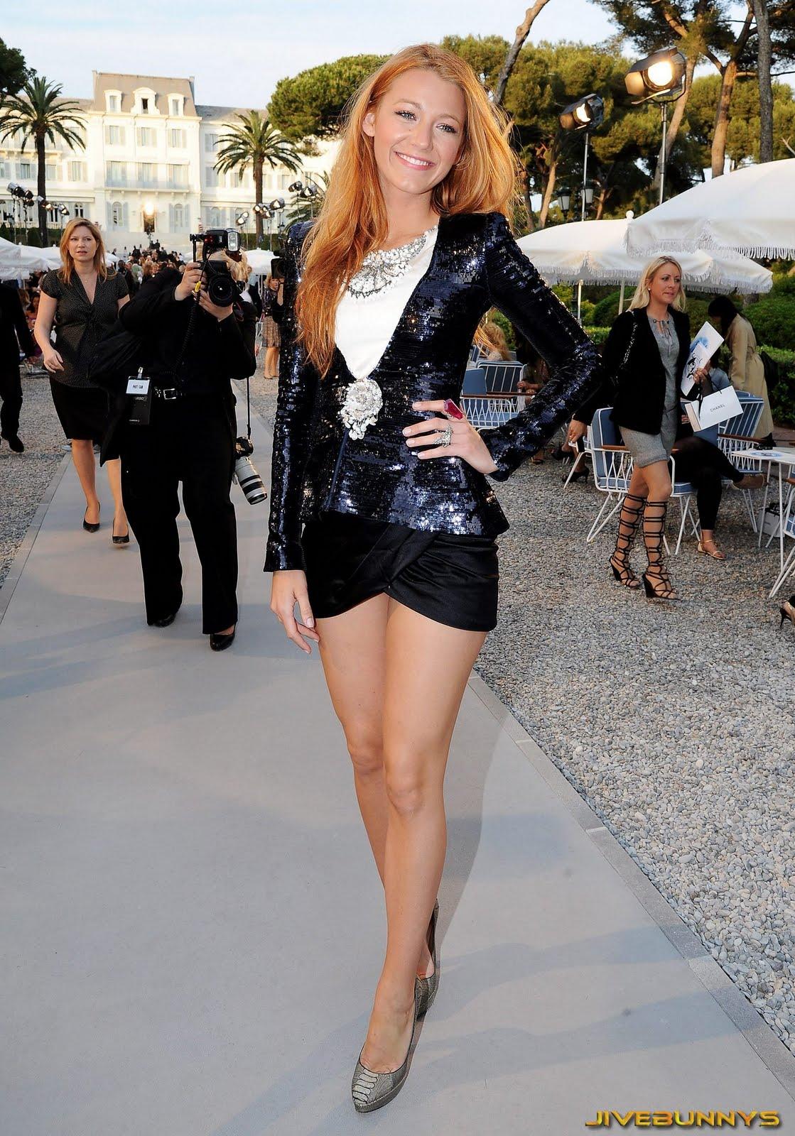 blake-lively-legs-celebrity-223.jpg