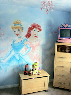 Graffiti Murals for Bedrooms Princess Theme