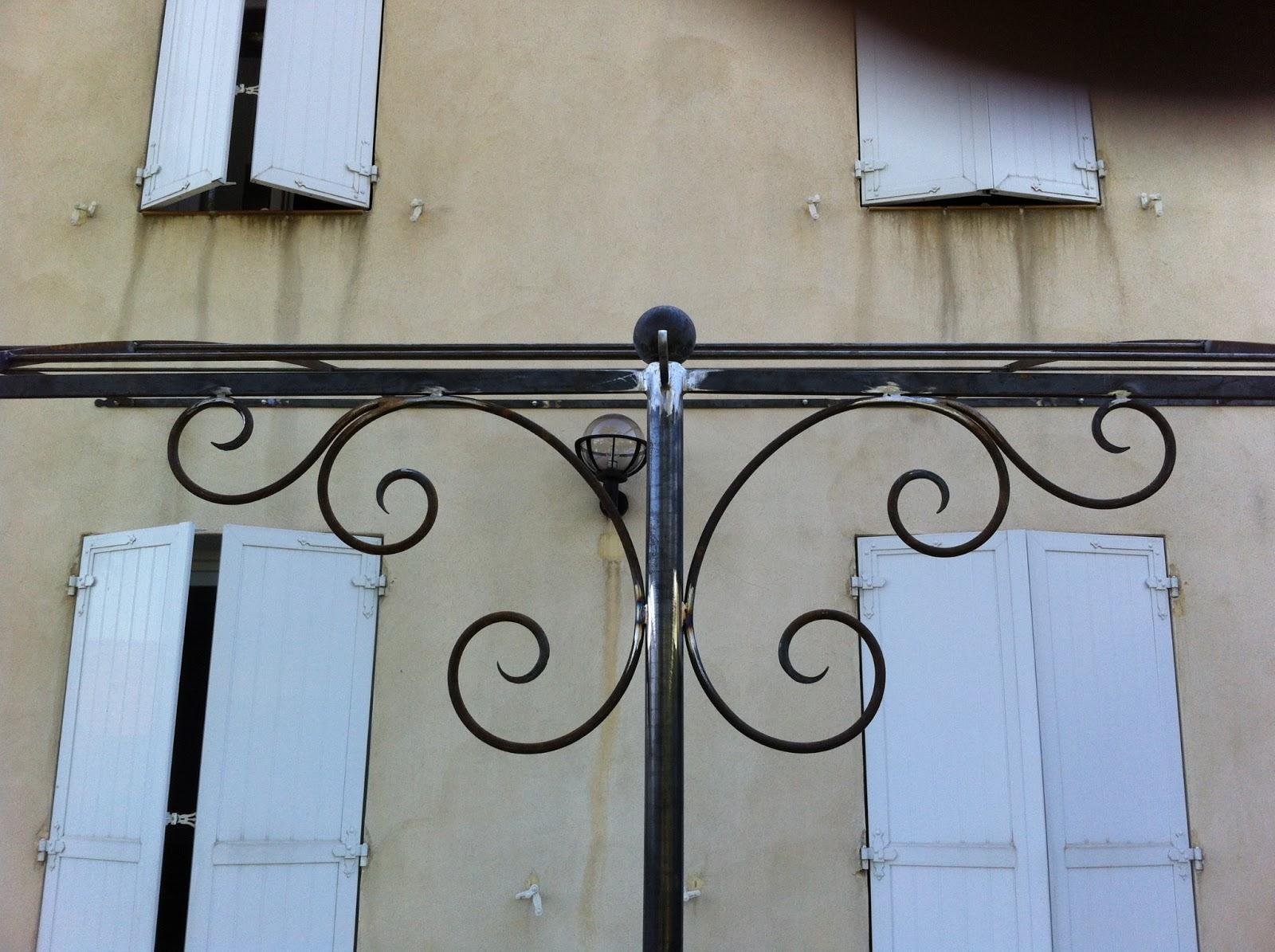 L 39 art de fer creation pergola style proven al avec - Equerre fer forge ...
