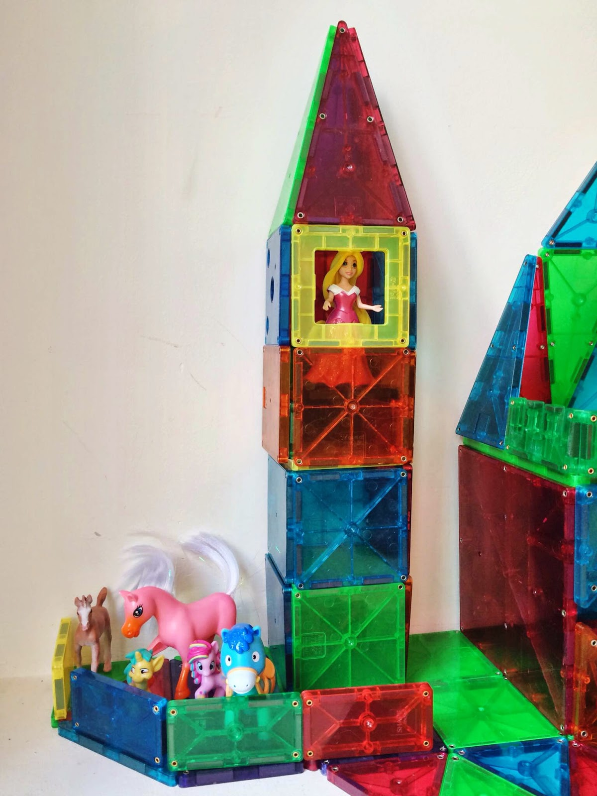 Magformers Vs Magna Tiles Floor and Decorations ideas - Floor and ...