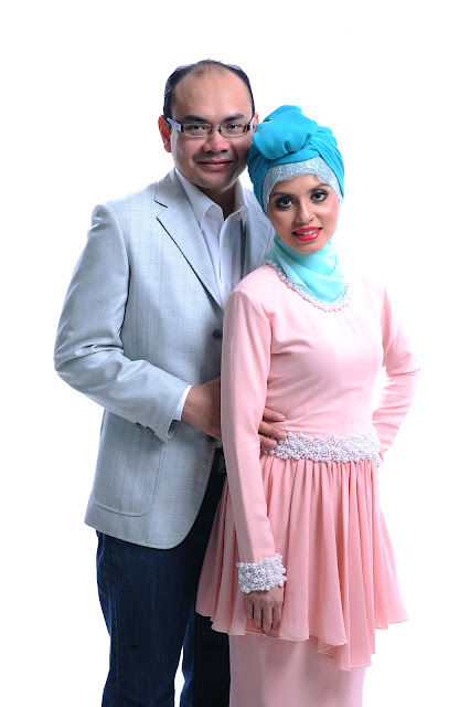 Online entrepreneur Adibah Karimah in pink photoshoot by Hafiz Atan