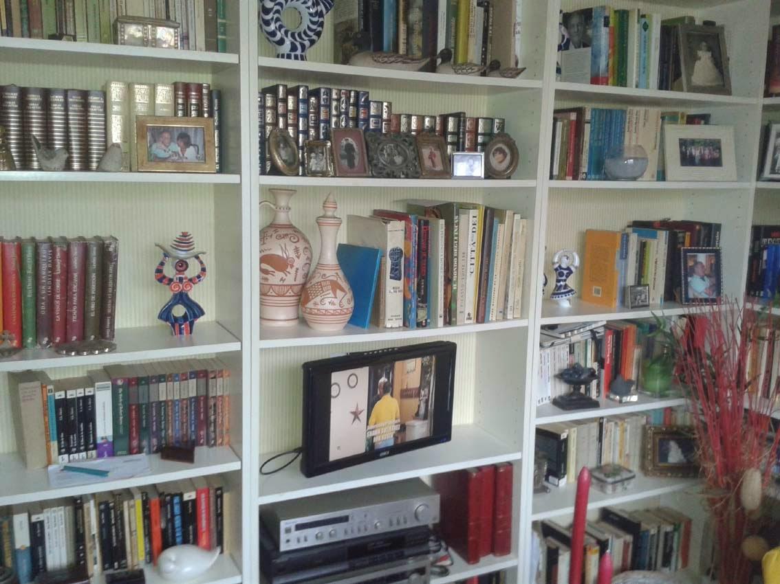 Estanter as billy renovadas y empapeladas mi llave allen - Libreria ikea lack ...