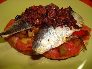 sardinas tomate tostada verdura