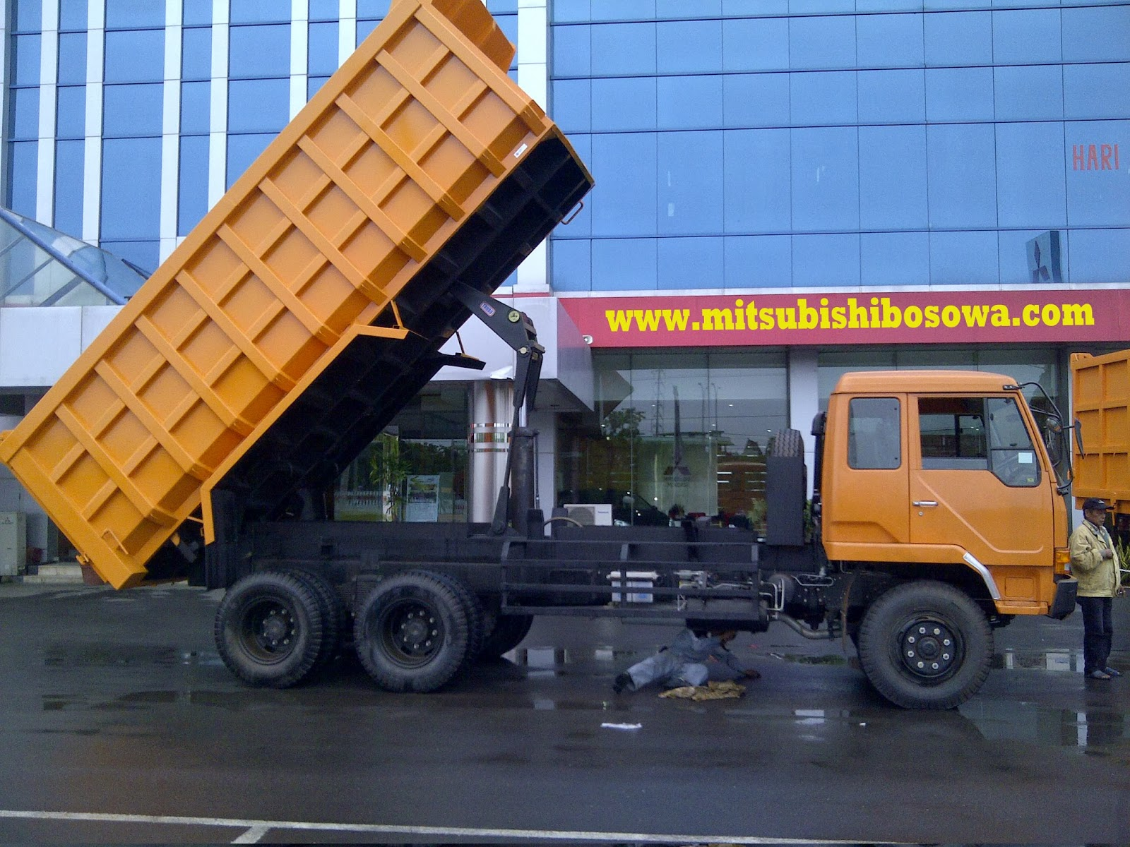 keehuatauto in leaflet fuso fmseries mitsubishi product of dealer truck