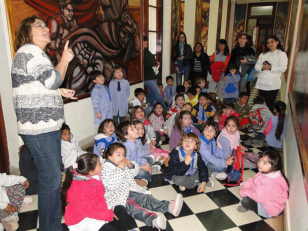 Casares on line los m s chicos aprenden nuestra historia for Jardines de soraya