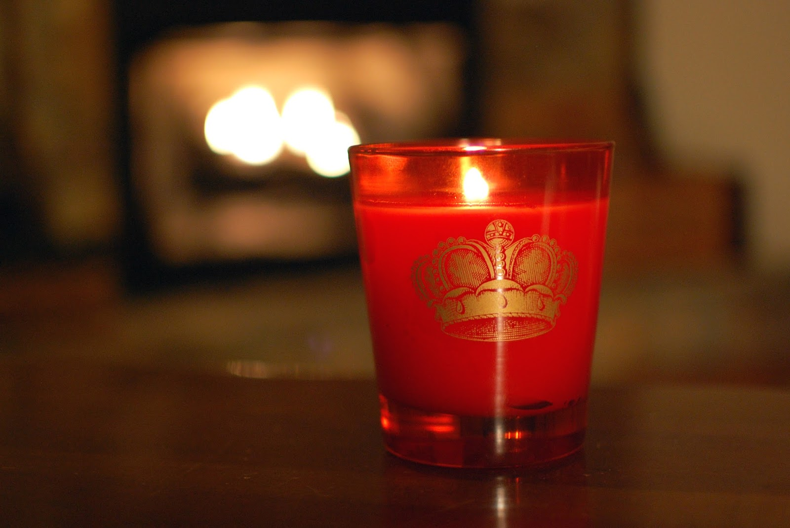 The redolent mermaid nest elton john 39 s fireside candle for Nest candles where to buy