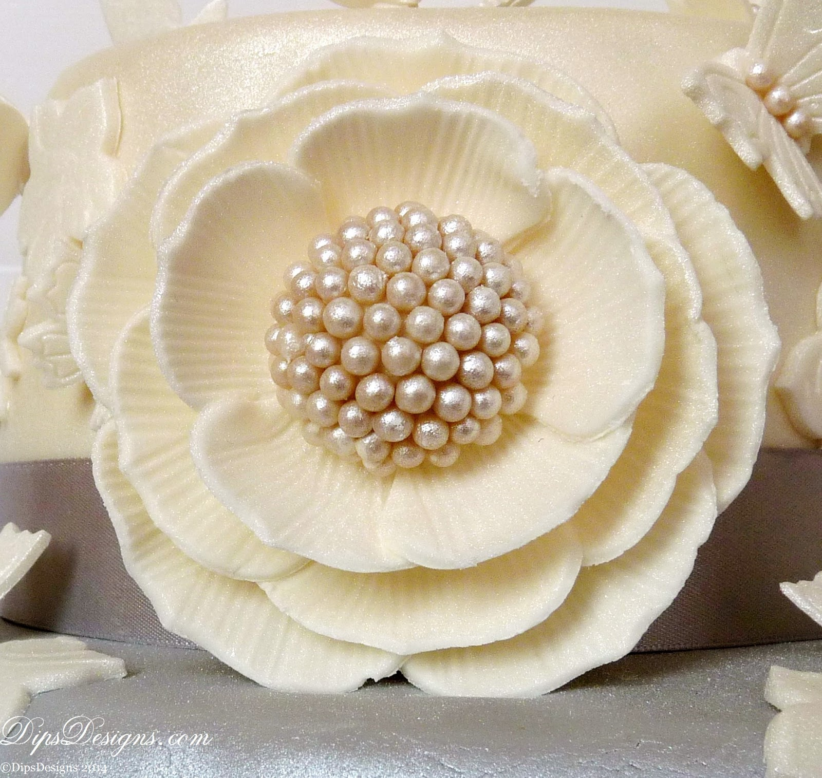 Fantasy Sugar-paste Flower with a pave-pearl centre