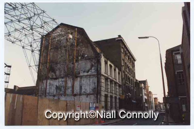 39/45 Bermondsey Street, London SE1, and The Stage building after 39/45 had burned down. Copyright Niall Connolly.