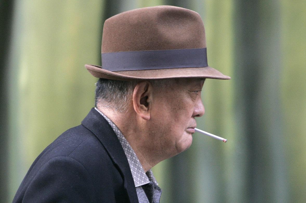Dunhill cigarettes thin