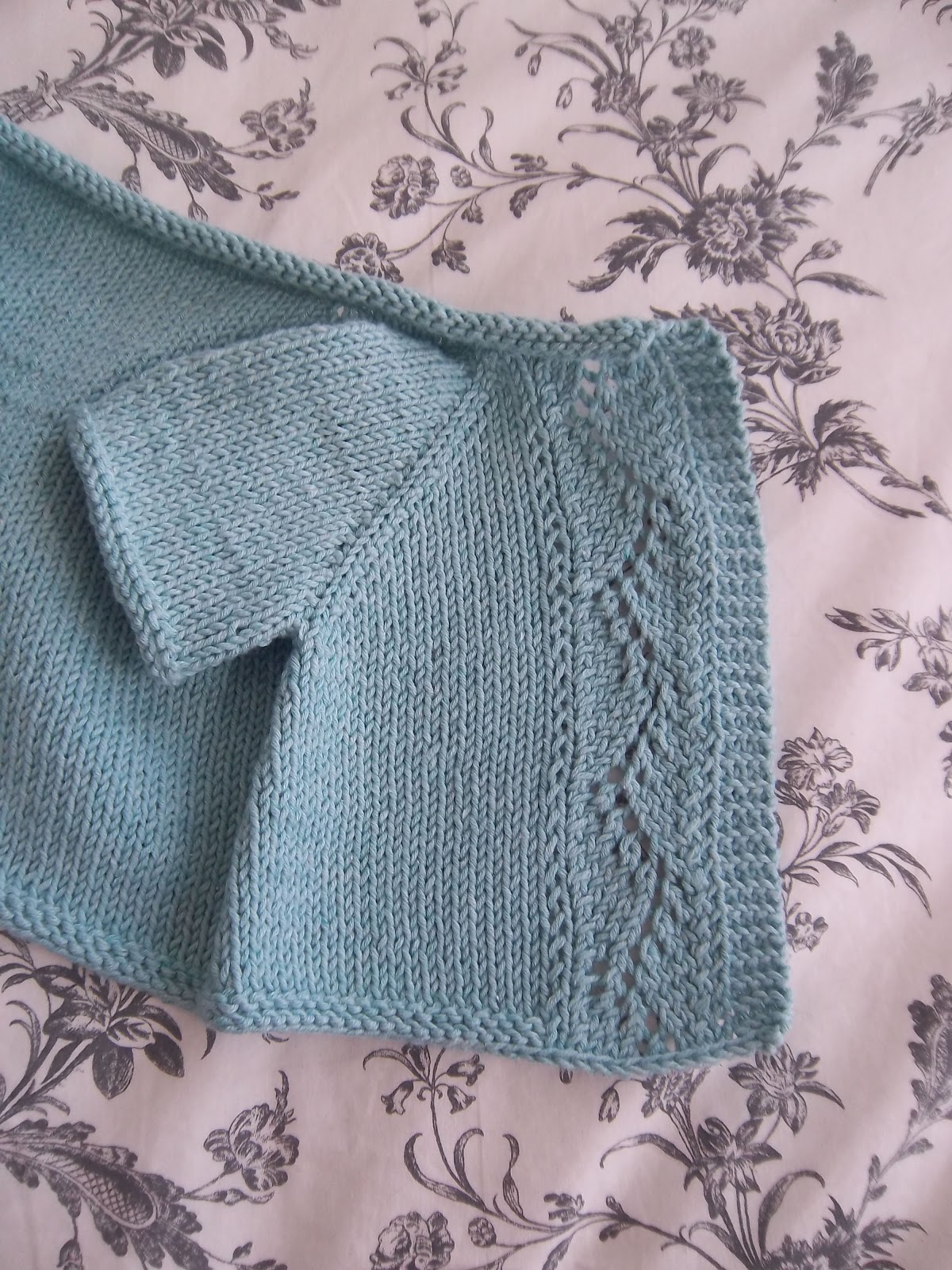 Knitting Pattern Baby Cardigan Newborn : jadore knitting: Vine Lace Cardigan.