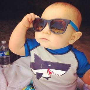 bayi pakai kacamata