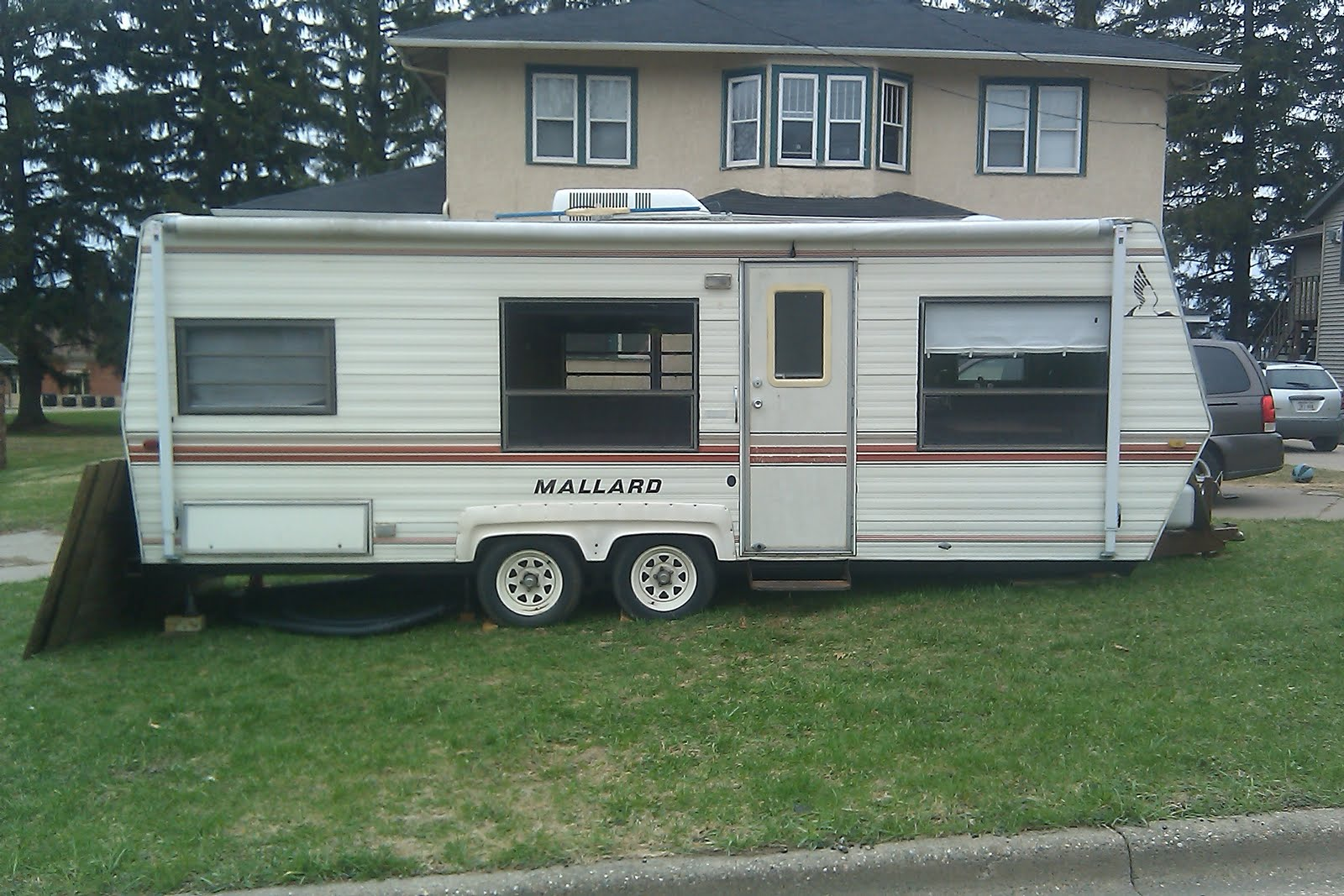 Remodeling Our 85 Mallard Camper TrailerDIY Rookies Making A Go Of It