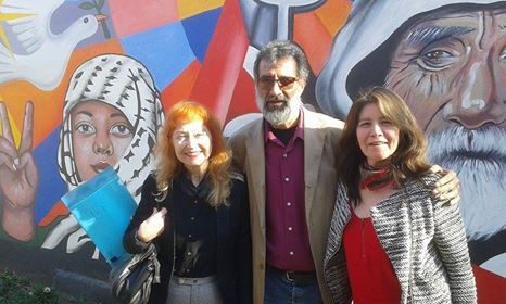 Junto a mis amigos poetas Lito y Mercedes Melendez