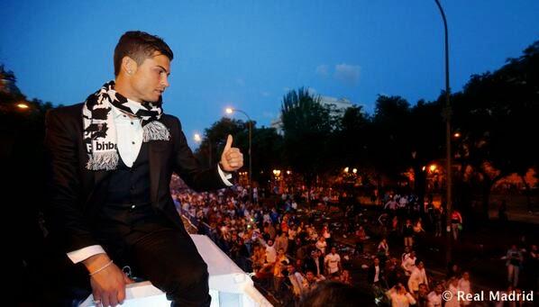 رونالدو يحتفل بلقب دوري ابطال اوروبا .. العاشرة