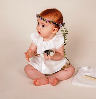 Gambar Bayi Perempuan Cantik Pakai Bandana Bunga