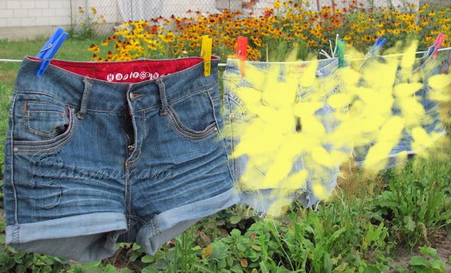 szorty ze starych dżinsów