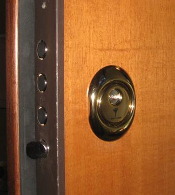 Sostituzione serrature venezia pronto intervento fabbro h - Cilindro porta blindata ...