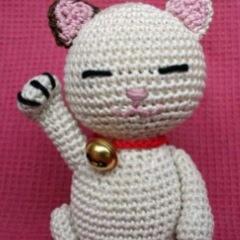 Patrones Amigurumi: Maneki Neko (???) en crochet