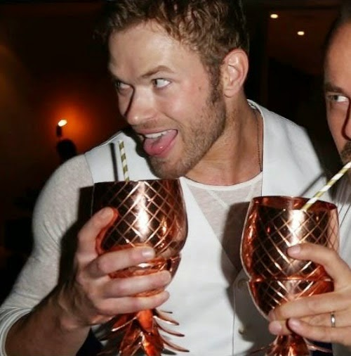 kellan+lutz+gay