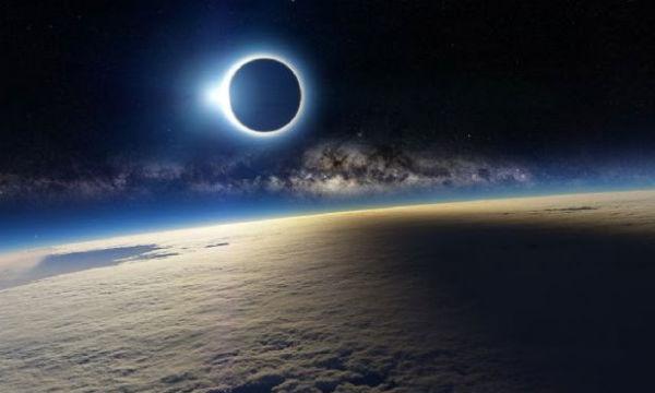 Eclipse y terremotos: Tiemblan el norte y el sur de Chile Eclipseeeee