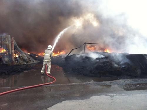 أكثر من 50 صورة و 9 مقاطع لتغطية حريق امغرة يوم الجمعة 4-5-2012